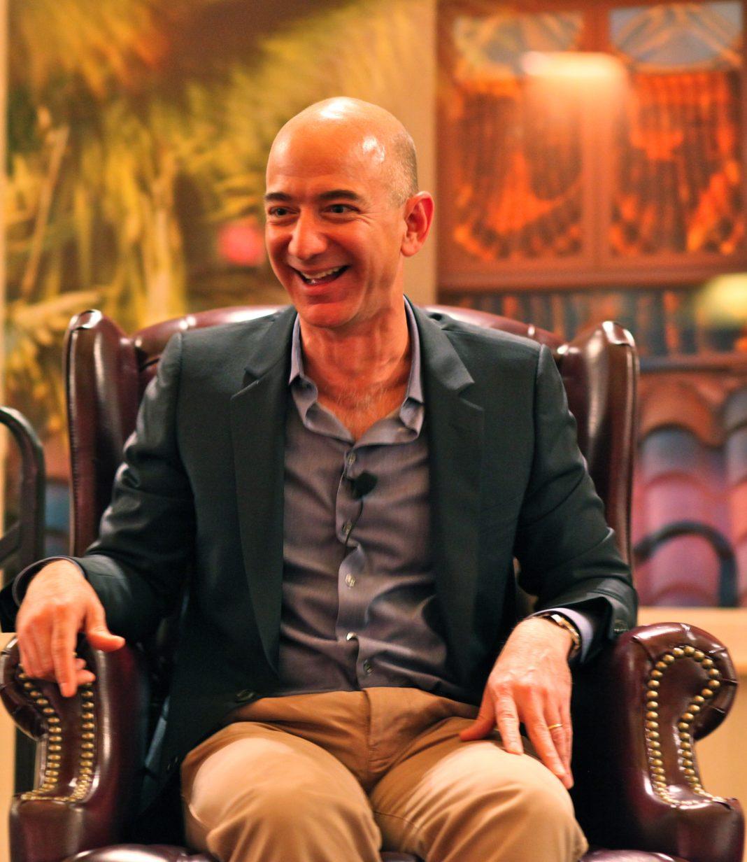 Jeff_Bezos'_iconic_laugh.jpg